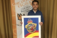 El ganador de Asturias XXXVIII Edición mostrando su trabajo