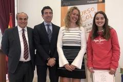 La ganadora de la XXXXVIII Edición de Cantabria con las Autoridades