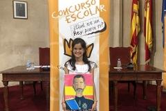 Baleares, XXXVIII Edición, la ganadora mostrando su trabajo